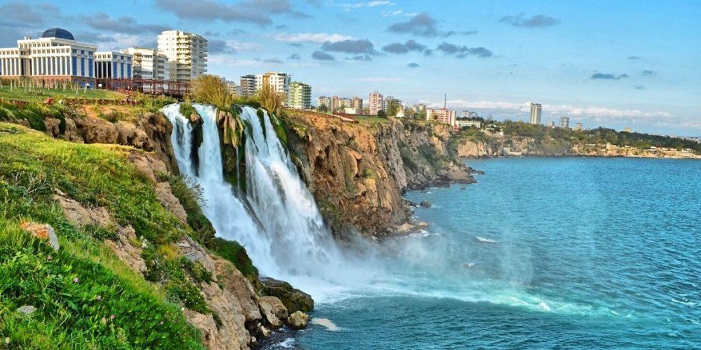 Живописные Дюденские водопады