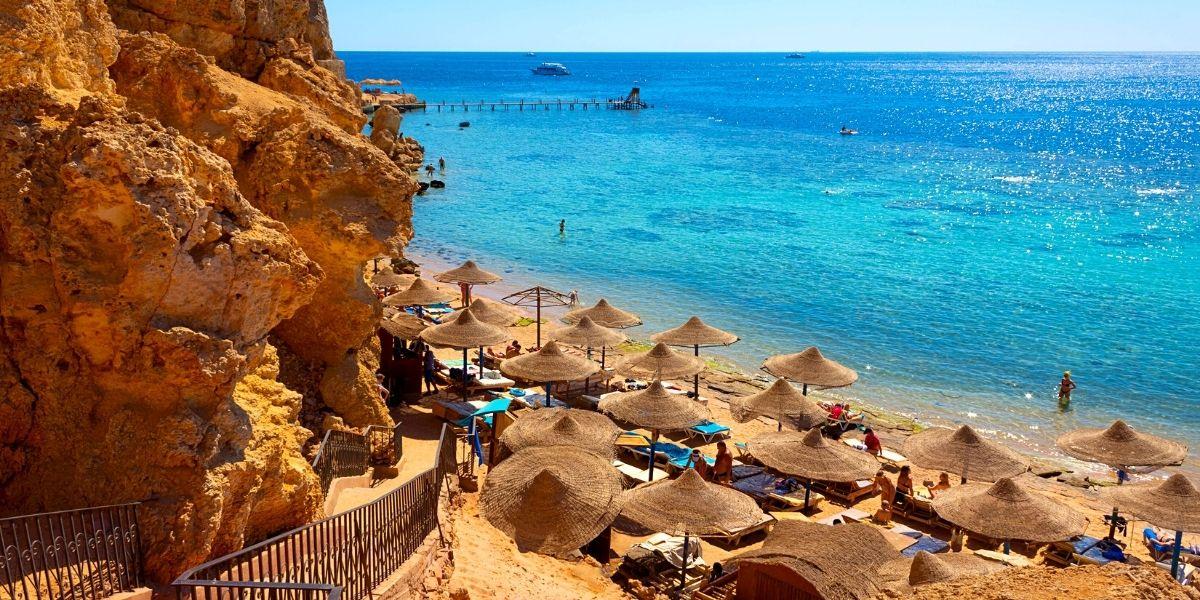 Живописный пляж в Египте