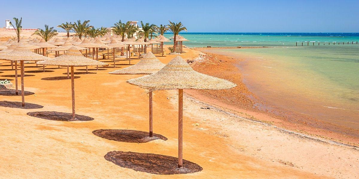 Один із красивих піщаних пляжів Хургади