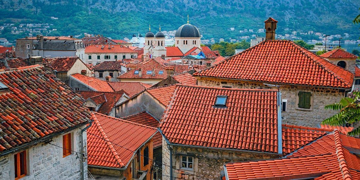 Живописные крыши древнего Котора