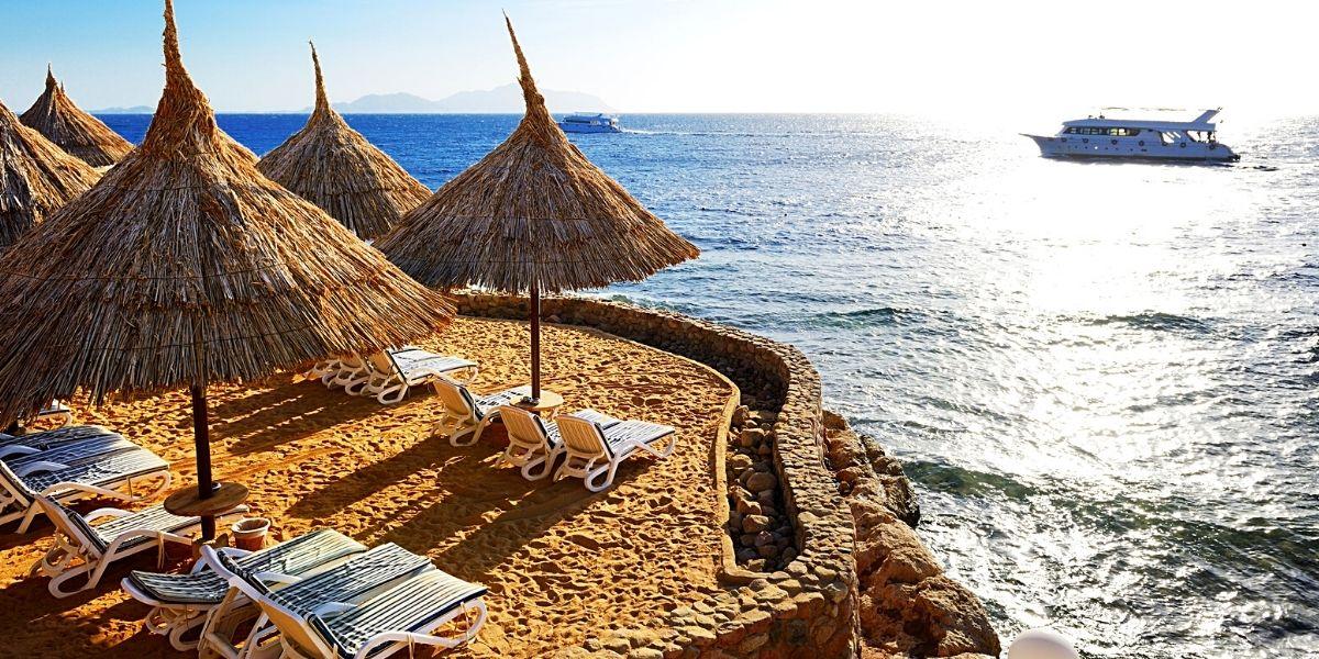 Один із мальовничих пляжів Шарм-ель-Шейху
